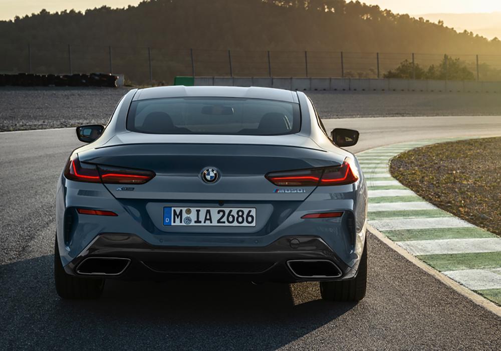 Rijden in een 8 Serie BMW