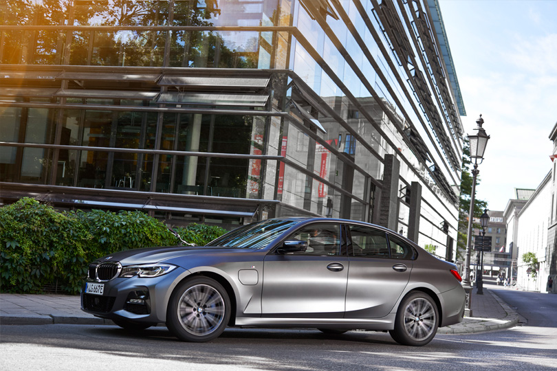 BMW 320 E Sedan
