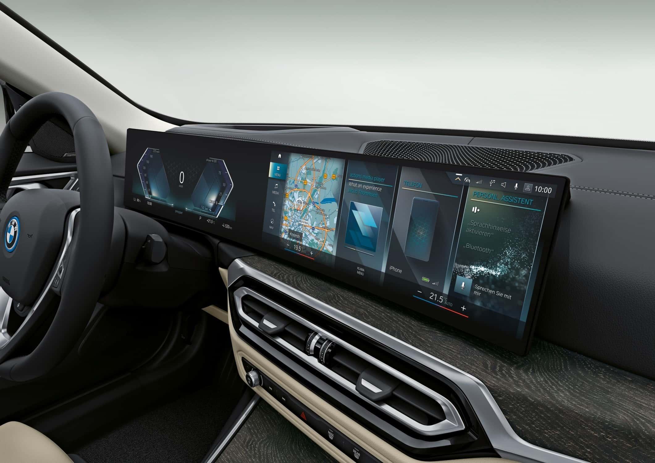 BMW i4 Dashboard Curved Display