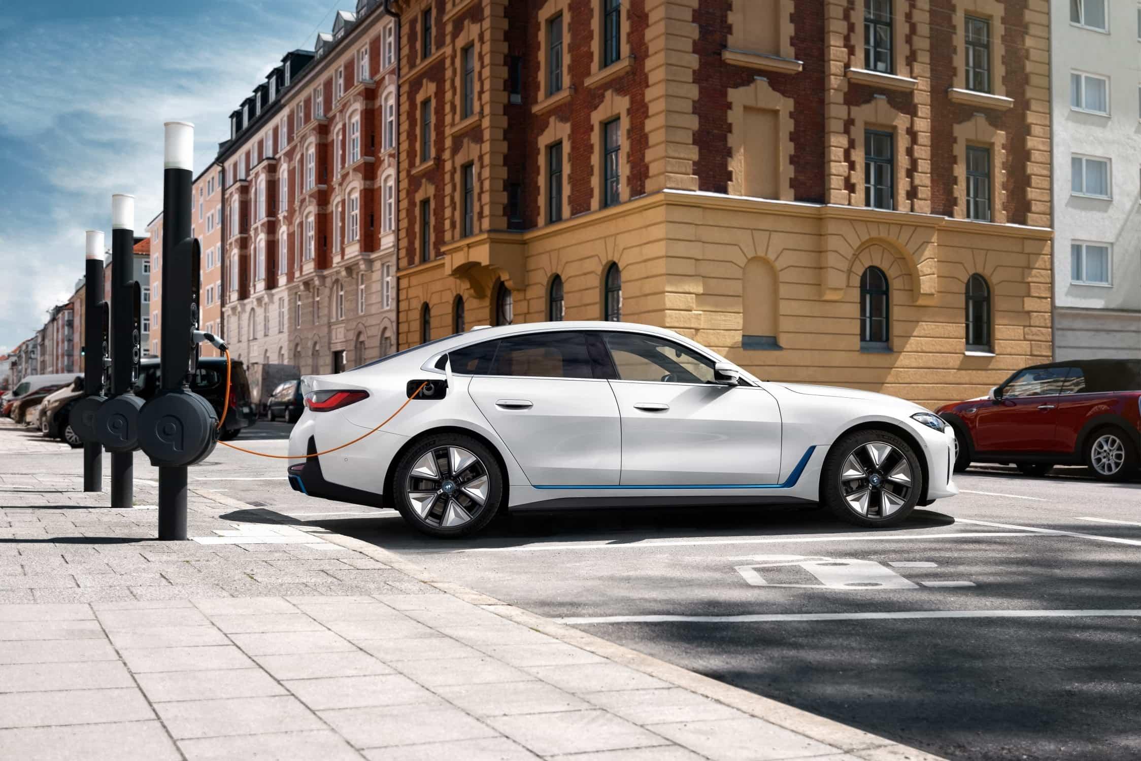 BMW i4 Opladen