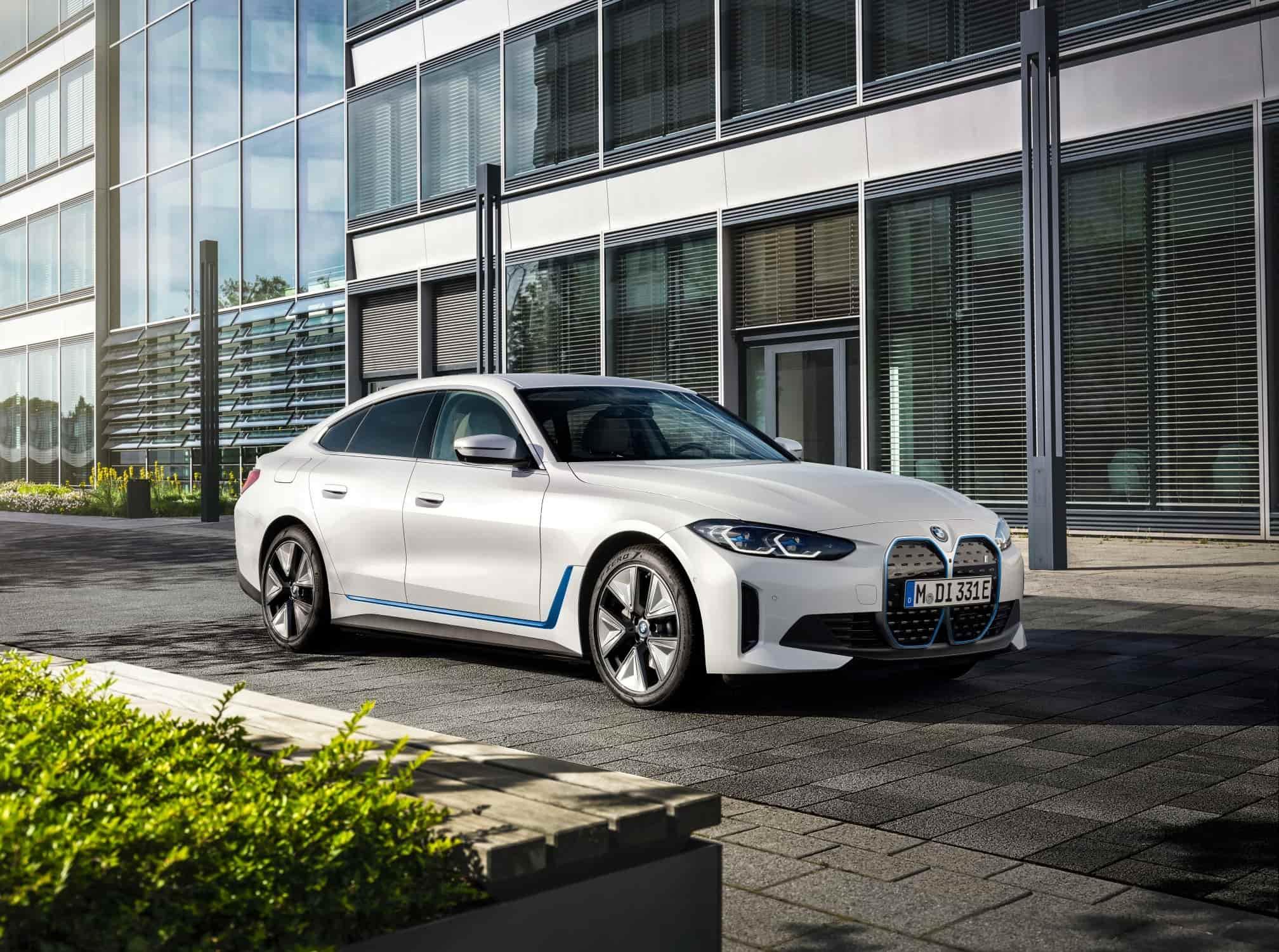 BMW i4 Schuin Voorkant