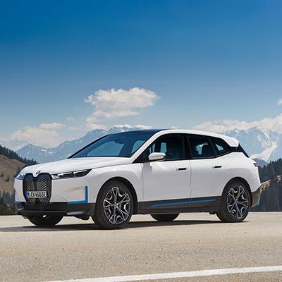BMW iX Voorkant