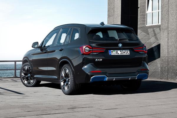 BMW IX3 Facelift Achterkant
